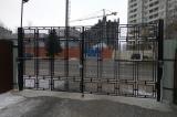 Распашные ворота со встроенной калиткой и автоматикой