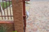 Распашные ворота с автоматикой открывание наружу левая створка