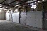 Промышленные секционные ворота. Вид изнутри