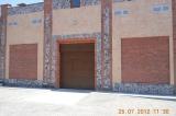 Секционные ворота с фальш-панелью вверху