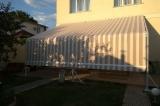 Солнцезащитная система - ткань в положении закрыто.