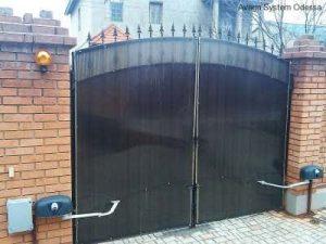 Распашные ворота с автоматикой Nice